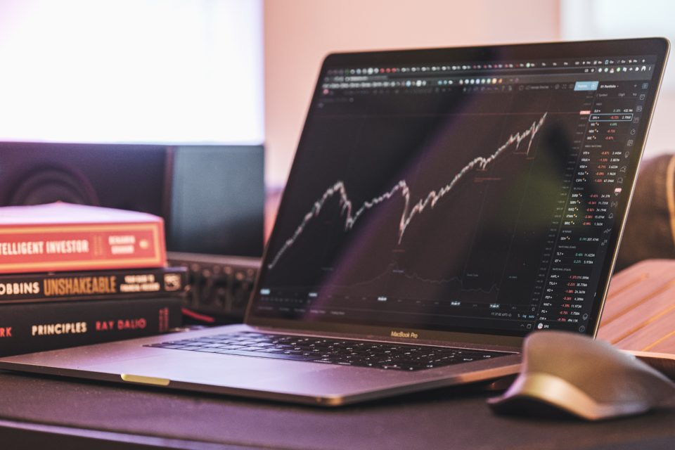 how to invest in eft funds