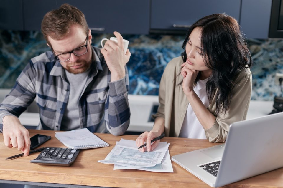 separate bank accounts married couples