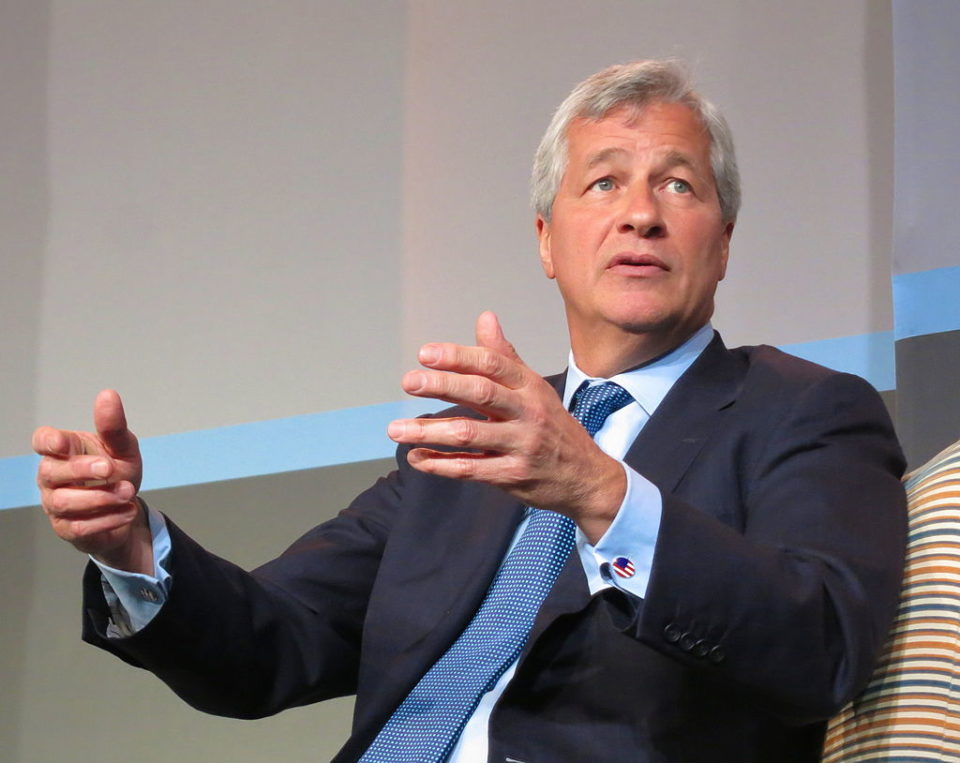 JPMorgan Chase head Jamie Dimon warns against Bitcoin cryptocurrency, names the best 2 CEOs -Tim Cook and Jeff Bezos.